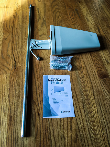 Yagi antenna and pole