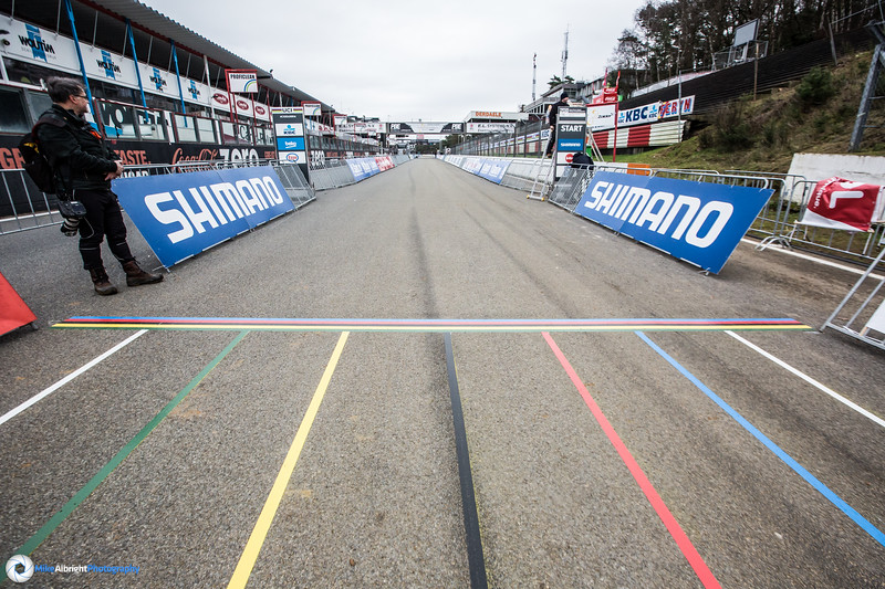 The starting line for the 2016 World Championships. The first straight is long and fast.