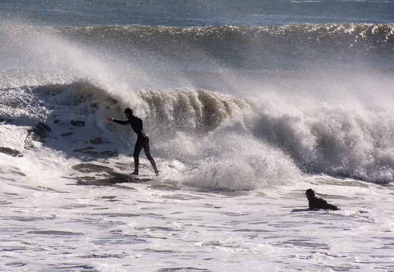 Surfing in Narragansett Pier. An upright, old time boxing form?