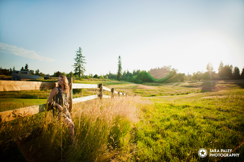 portrait photography, burnaby portrait photographer, sara paley photography, natural light, lifestyle photographer, langley field at sunset, lifestyle portraits, vancouver portrait photography