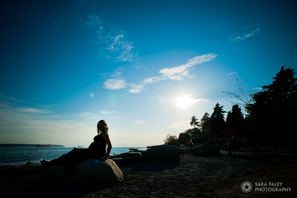 ambleside beach maternity photography, vancouver photographer, sara paley photography, baby bump, maternity portrait photography