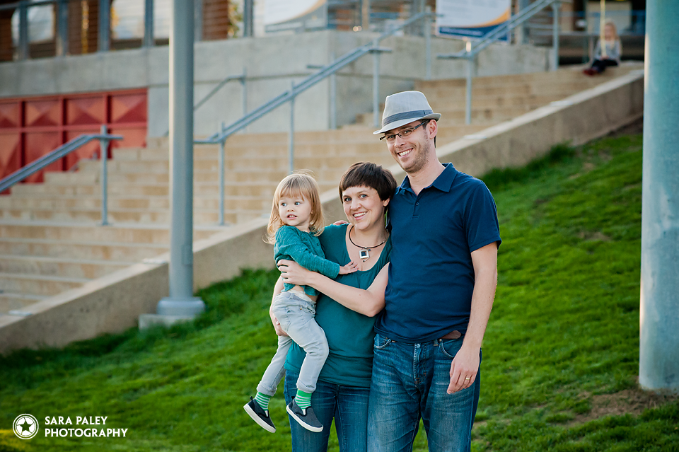 westminster pier park, new westminster, vancouver portrait photographer, sara paley photography, family photographer, autumn, family portraits, vancouver family photographer