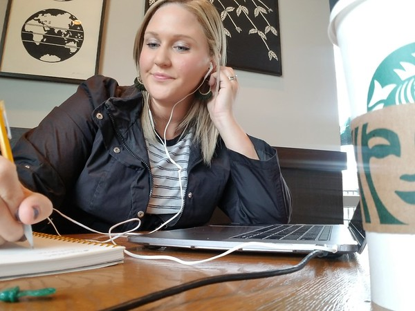 working BTS at starbucks - listening to @danelledelgado & @ibnicolearbour in the Go Team Academy Training #goteamacademy