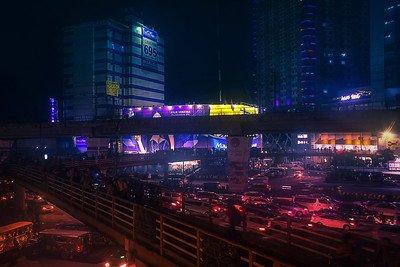 I also look for chaotic urban geometry like this scene taken from North EDSA - the main objects that I used for composition are the network of footbridges, the elevated train tracks, and the billboards in the background.