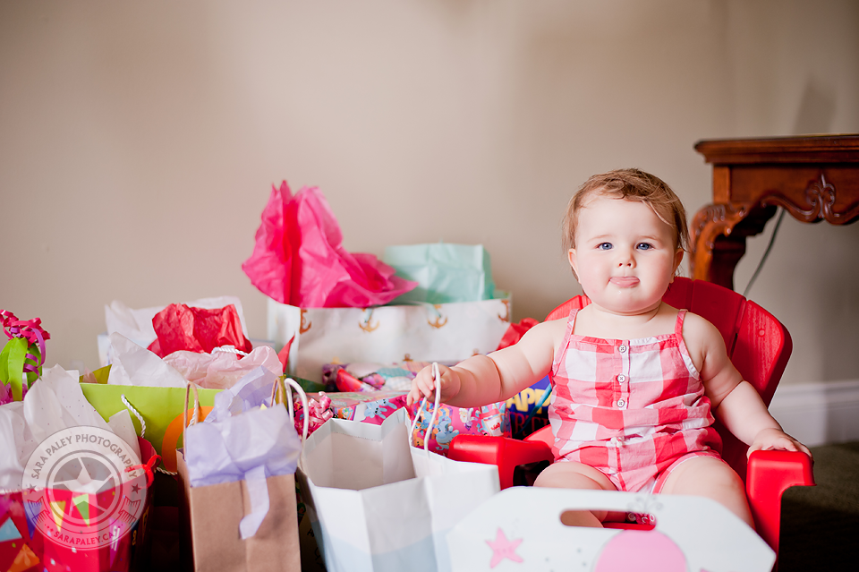 first birthday party, childrens photographer, sara paley photography, #paleypix #sarapaleyphoto @sarapaleyphoto