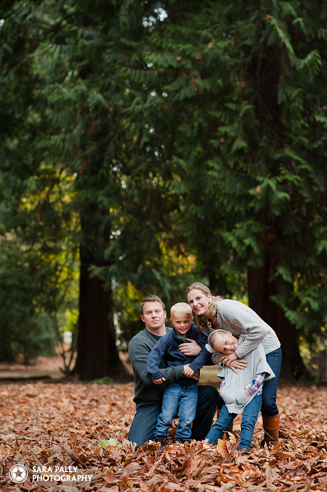 @sarapaleyphoto new westminster family portrait photography by Sara Paley Photography, portrait photography, family photography, vancouver burnaby photographer, lifestyle portraits #paleypix #portraitphotography