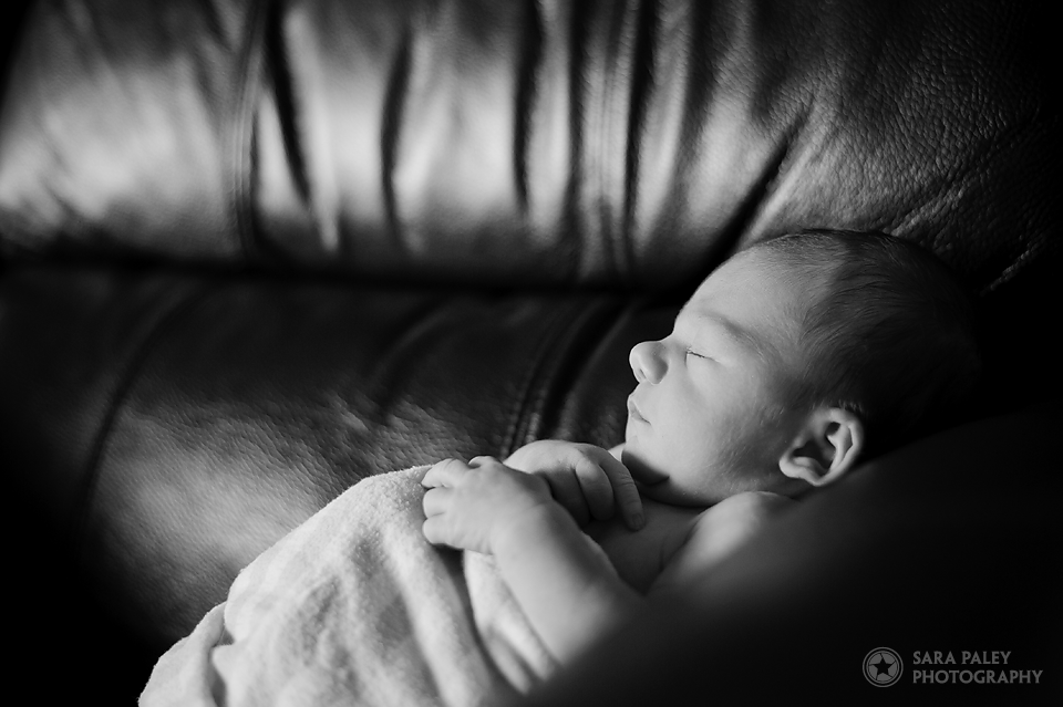 newborn baby, lifestyle photography, baby photography burnaby, burnaby maternity photographer, sara paley photography, north vancouver photographer, lifestyle photographer