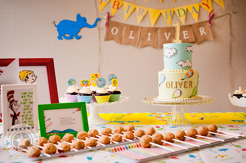 vancouver, babys first birthday, hot air balloon, dr seuss, oh the places you will go, cake smash, party, sara paley photography, vancouver childrens photographer @sarapaleyphoto #paleypix