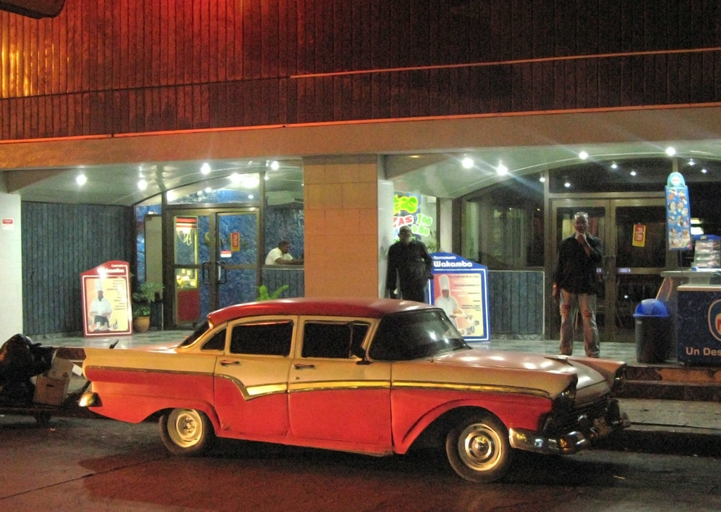 Havana car by night.