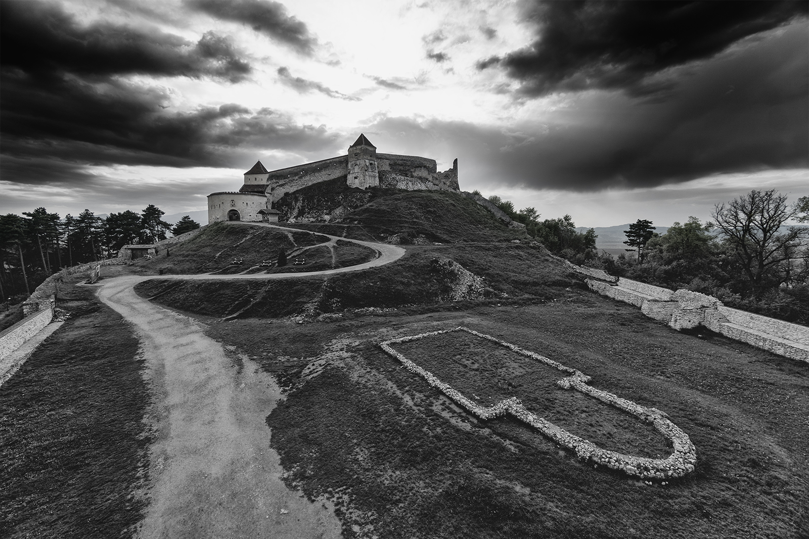 Rasnov, romania, black and white, castle