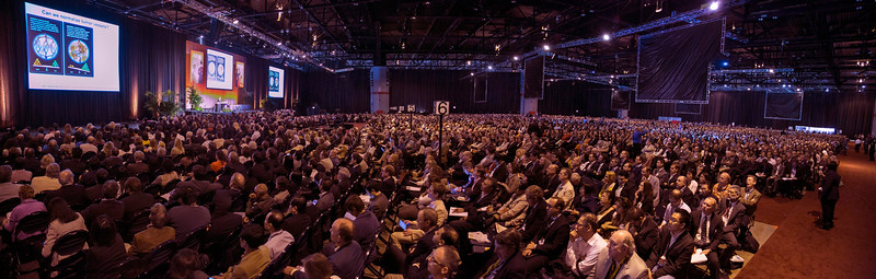 12ASCO_tb_Plenary_crowded