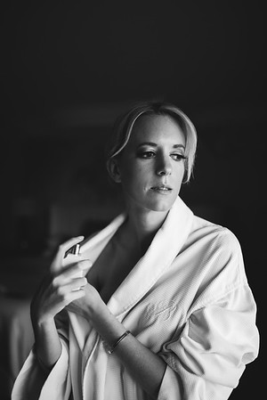 KRISTEN KAY PHOTOGRAPHY | Wedding Details, Bride Getting Ready Las Vegas Elopement, Bellagio Hotel