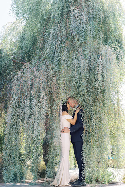 Springs Preserve Las Vegas Intimate Wedding Venue - intimate desert elopement - Kristen Kay Photography #willowtree #lasvegas #weddingvenue #intimatewedding