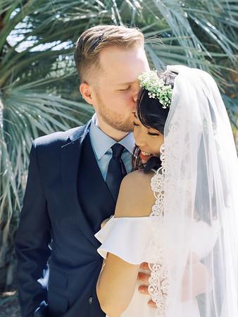 Springs Preserve Las Vegas Intimate Wedding Venue - desert elopement - Kristen Kay Photography | #palms #bluesuit #groomstyle
