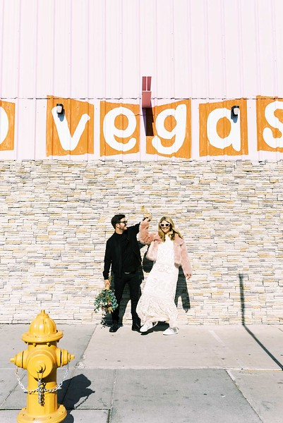 fun & colorful elopement ideas for your unique Downtown Las Vegas Elopement with Kristen Kay Photography - Las Vegas elopement photographer and Super 8 videographer | #elopement #pinkfurcoat #retro #vegas #downtown #lasvegas