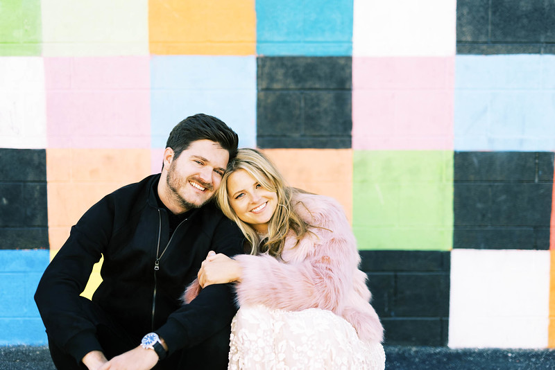 view fun ideas for your unique DOWNTOWN LAS VEGAS ELOPEMENT with KRISTEN KAY PHOTOGRAPHY - find colorful street art and murals   #elopement #mural #art #downtown #lasvegas