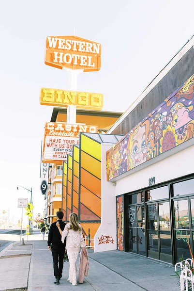 view fun ideas for your unique DOWNTOWN LAS VEGAS ELOPEMENT ON FREMONT STREET with KRISTEN KAY PHOTOGRAPHY - find colorful street art, neon signs, and murals | #elopement #mural #art #downtown #lasvegas