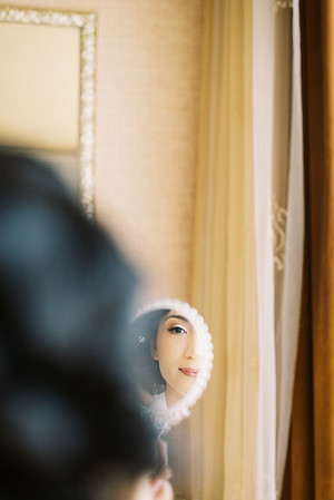 vintage handheld mirror for getting ready - retro-inspired hair and make-up for an intimate wedding at the Neon Museum in Las Vegas - Kristen Kay Photography - Photo and Super 8 Video