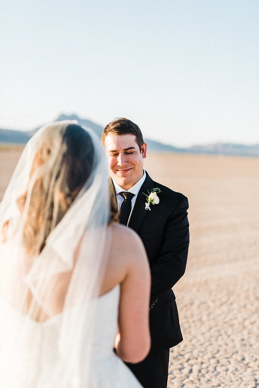 5.27.17 Amie & Chris Dry Lake Bed Elopement