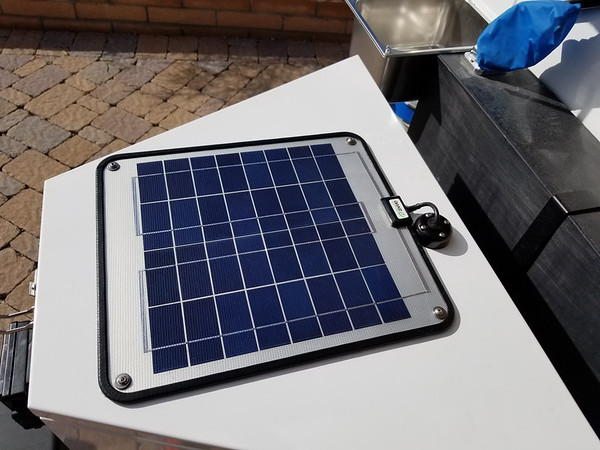 12W Solar Trickle Charger