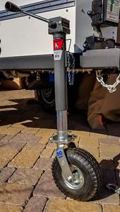 pneumatic trailer jack