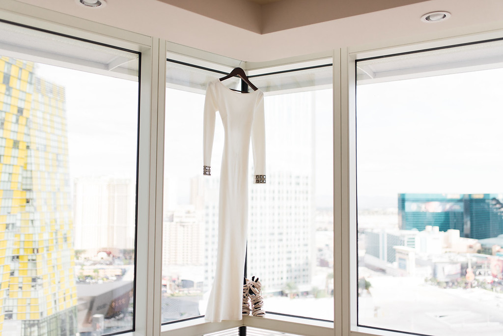 KRISTEN KAY PHOTOGRAPHY | Aria Las Vegas Elopement Details, XOXO Jamelle Wedding