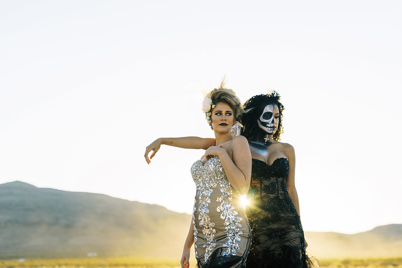 Bridal Halloween Editorial - skeleton makeup and gold glam - Kristen Kay Photography | #halloween #bridal #skeleton #makeup #halloweenmakeup