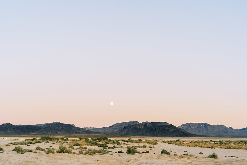 Full moon in the desert - Dry Lake Beds - Kristen Kay Photography - Las Vegas, Palm Springs Desert Elopements | #fullmoon #desert #mountains