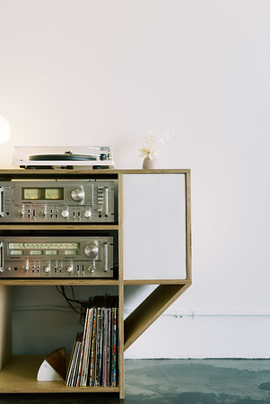 vintage record player - Las Vegas elopement wedding chapel - modern, minimal, natural light wedding chapel - Kristen Kay Photography - Kristen Krehbiel - Sure Thing Chapel - #chapel #lasvegas