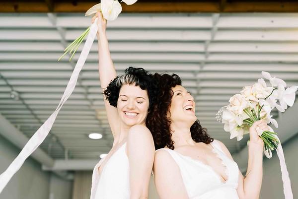 Las Vegas elopement wedding chapel - modern, minimal, natural light wedding chapel - Kristen Kay Photography - Kristen Krehbiel - Sure Thing Chapel - tulip, rose and Anthurium neutral floral bouquet - #chapel #lasvegas #loveislove