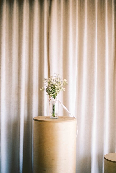 LAS VEGAS WEDDING CHAPELS - a modern downtown chapel - minimal floral bouquet, velvet drape background - Downtown Las Vegas modern, minimal, natural light wedding chapel - Kristen Kay Photography - Kristen Krehbiel - Sure Thing Chapel by Flora Pop - Las Vegas Wedding and Las Vegas Elopement Chapel - quick and easy wedding - #chapel #lasvegas