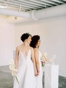 Las Vegas Wedding Chapel - modern, minimal, natural light elopement inspiration - Kristen Kay Photography - Kristen Krehbiel - Sure Thing Chapel - tulip and rose neutral floral bouquet - #chapel #lasvegas #loveislove #neutral