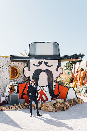 Neon Museum Las Vegas Wedding - Unique Wedding Locations - Kristen Kay Photography - view more from this rad, vintage Elvis inspired intimate wedding in colorful and fun Downtown Vegas -- #neonmuseum #vintage #elopement #neon
