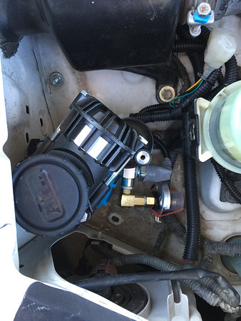 4Runner on board ARB air compressor_20May2016_014