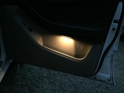 4Runner door lighting original incandescent