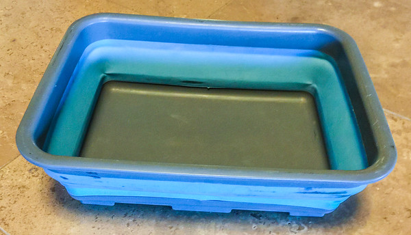 Collapsible wash bin