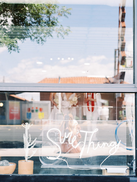 Sure Thing Chapel - minimal modern downtown Las Vegas chapel - Kristen Kay Photography - Elvis Celebrant - neutral, modern orchid, rose, and lilly floral bouquets by Flora Pop-9