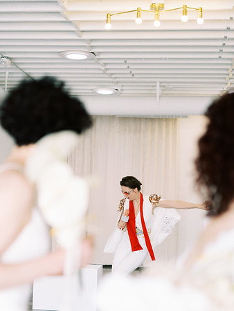 Sure Thing Chapel - minimal modern downtown Las Vegas chapel - Kristen Kay Photography - Elvis Celebrant - neutral, modern orchid, rose, and lilly floral bouquets by Flora Pop-7