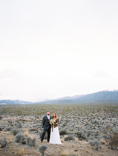 romantic Las Vegas desert elopement - Mt. Charleston // Las Vegas Celebrant - Peachy Keen Unions // Las Vegas Elopement & Intimate Wedding Photographer - Kristen Krehbiel - Kristen Kay Photography