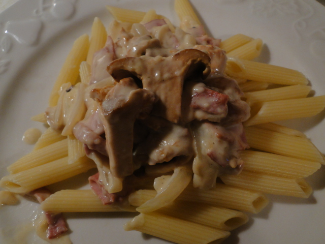 Chanterelles in Cream Sauce on Pasta