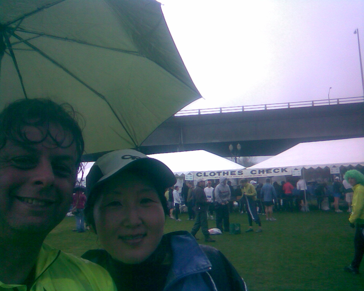 It was a very wet & cold Shamrock Run this year but that didn't dampen turnout with over 20,000 people showing up for all the different runs. Chiyoko ran the 8k & I ran the 15k.