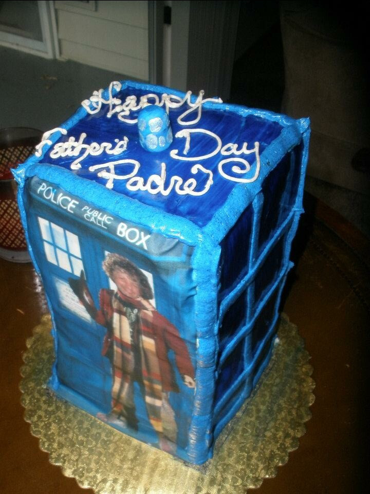 My Fathers Day Dr. Who cake made by Mirranda :^)..
