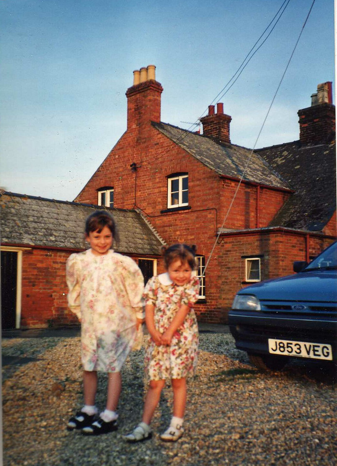 Mirranda & Anwen - Visiting Barry & Colleen  Lincolnshire 1994