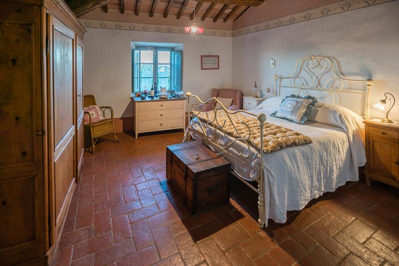 tuscany villa room