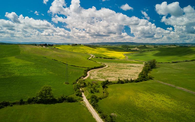 Tuscany rolling hills