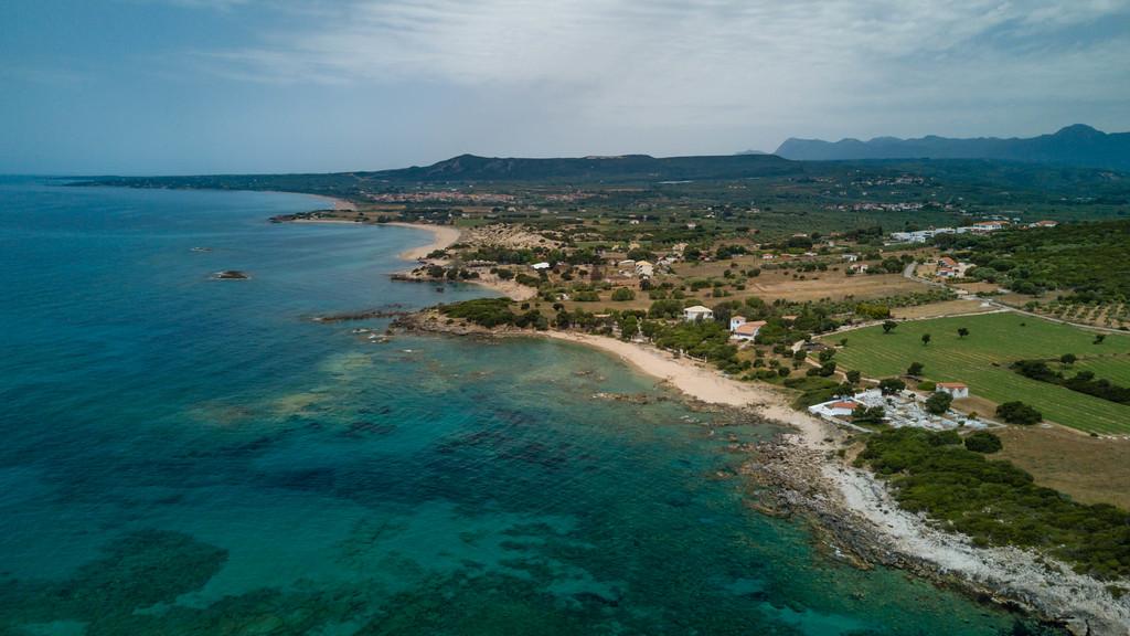 Costa navarino shore line
