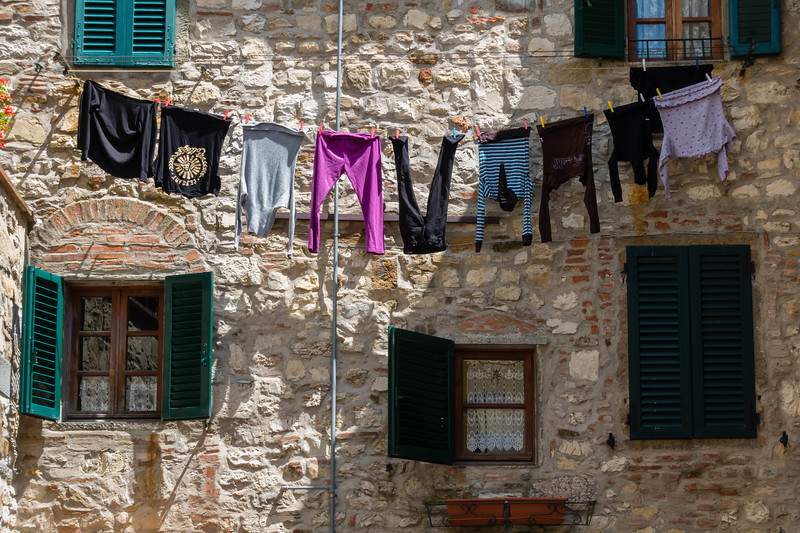 tuscany clothes drying