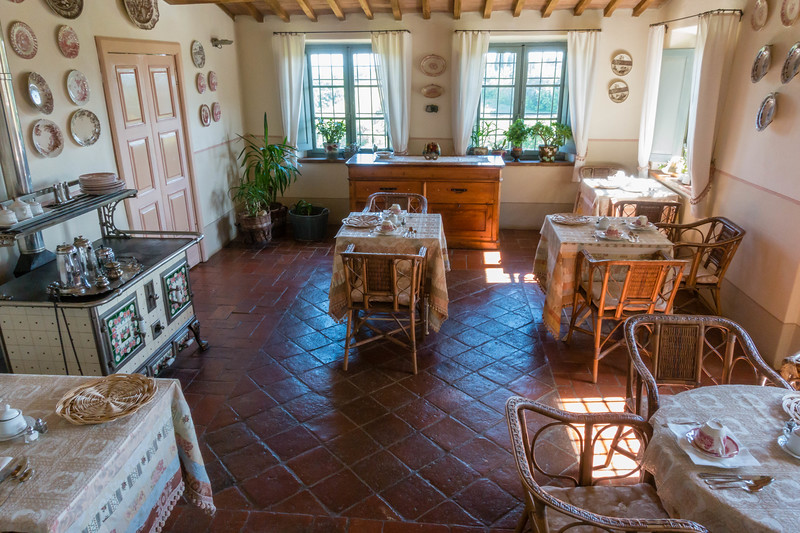 tuscan villa breakfast