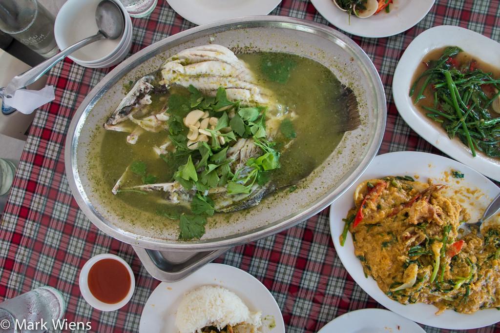 samut prakan market 82 X2 Sompong Seafood Restaurant (ร้านสมพงศ์) in Samut Prakan