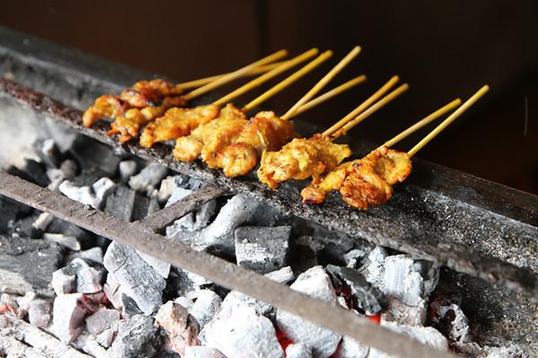 Beef satay (neua satay เนื้อสะเต๊ะ)
